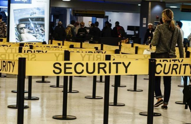 U.S.-Senate-Approves-New-Airport-Security-Rules,-Airports-Complain
